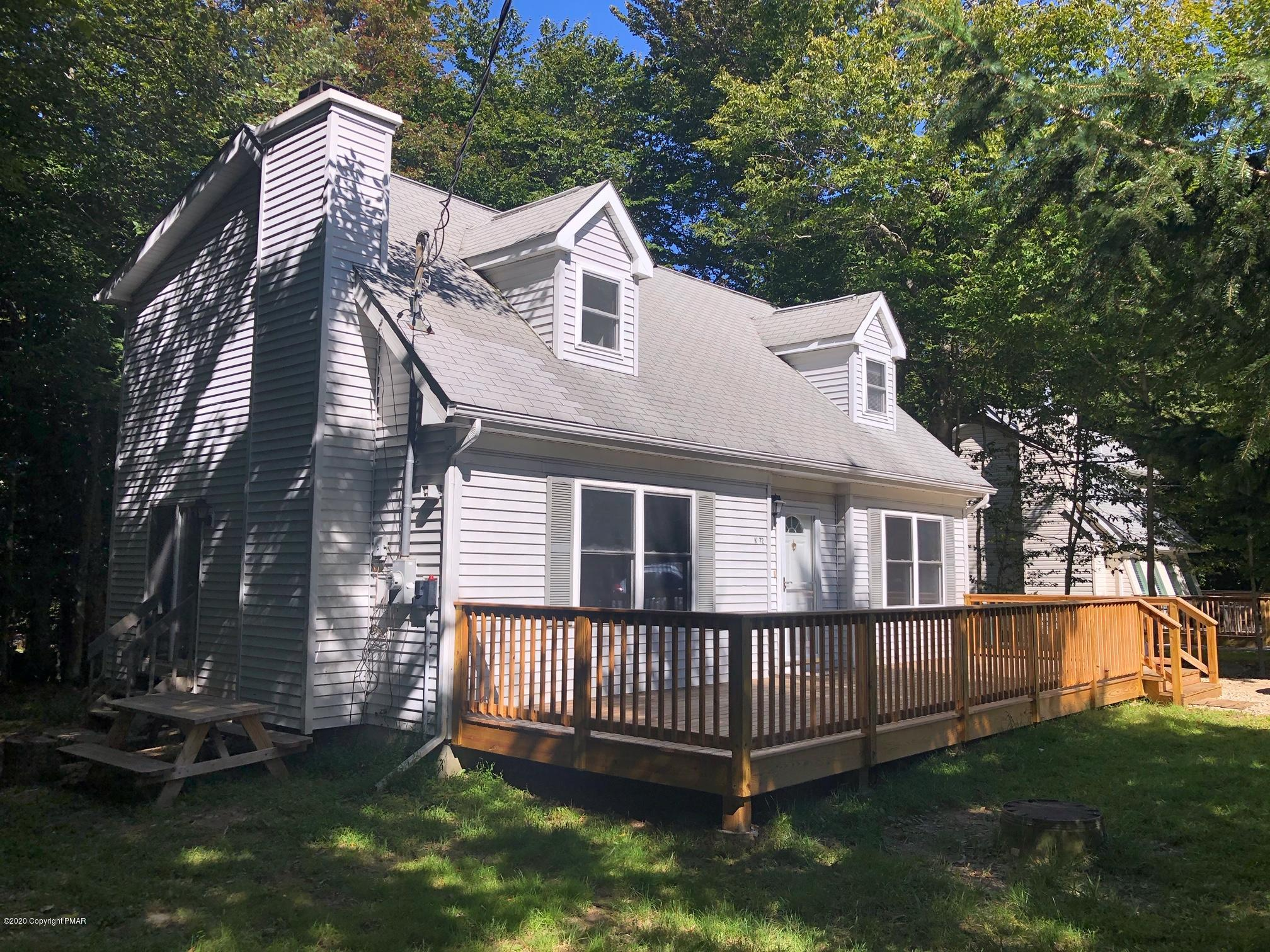 1709 Rolling Hills Dr, Tobyhanna, PA 18466
