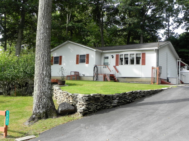 1287 Lace Dr, East Stroudsburg, PA 18302
