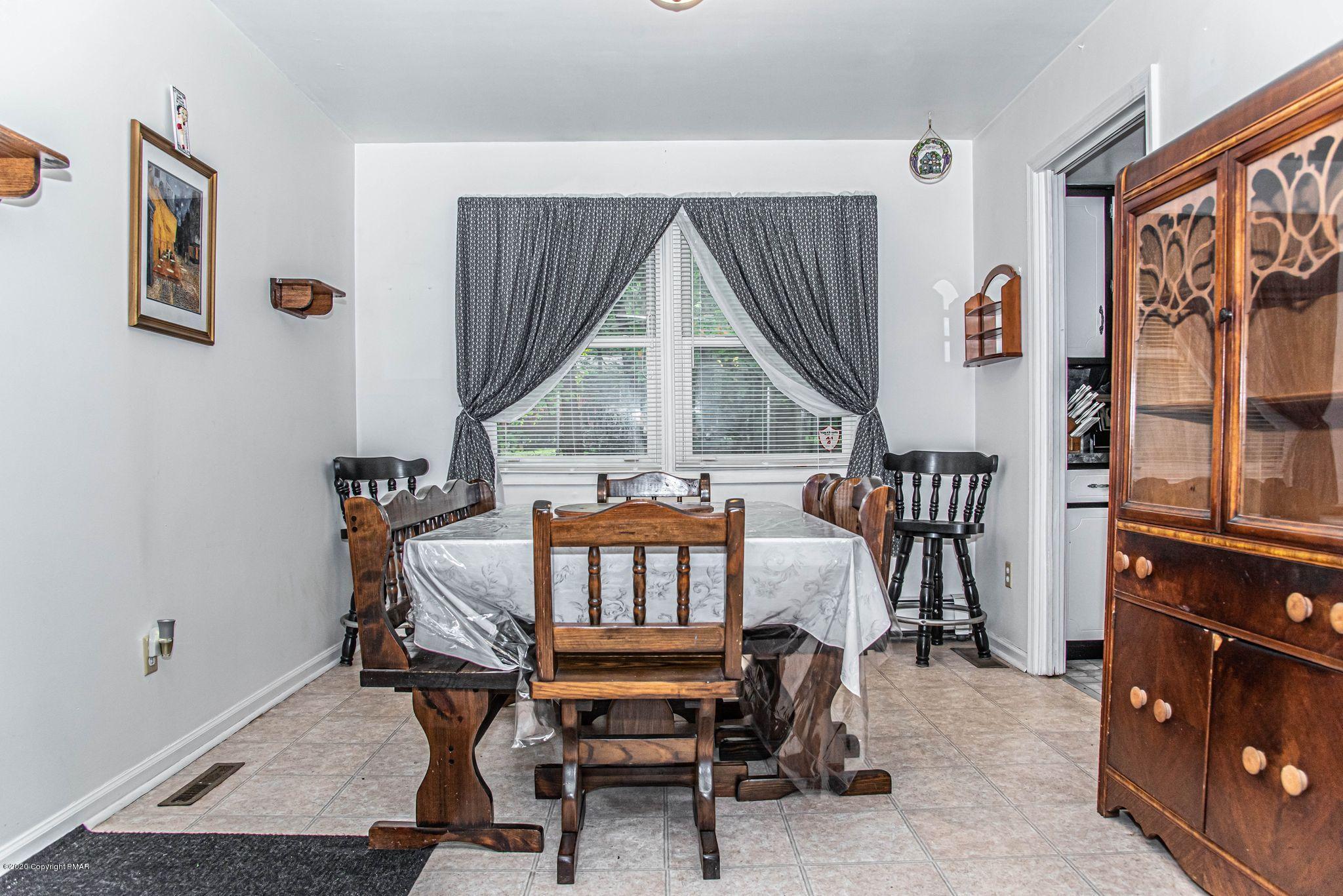 151 Jackson Dr, East Stroudsburg, PA 18302