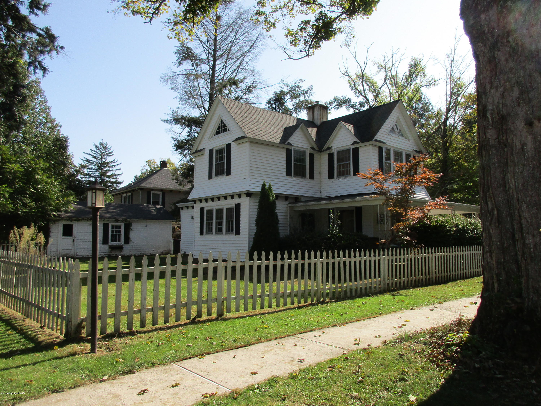 125 Worthington Ave, East Stroudsburg, PA 18301
