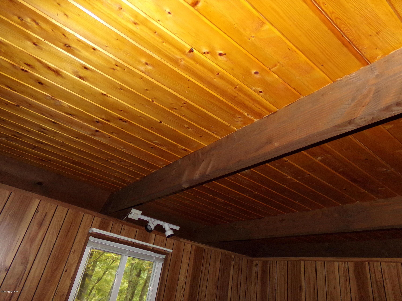 3144 Eagle Ln, Bushkill, PA 18324