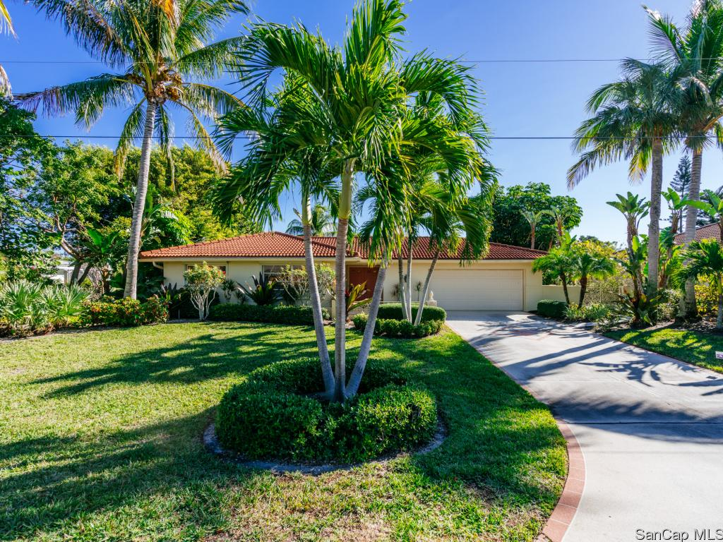 1030 Kings Crown Dr, Sanibel, FL 33957
