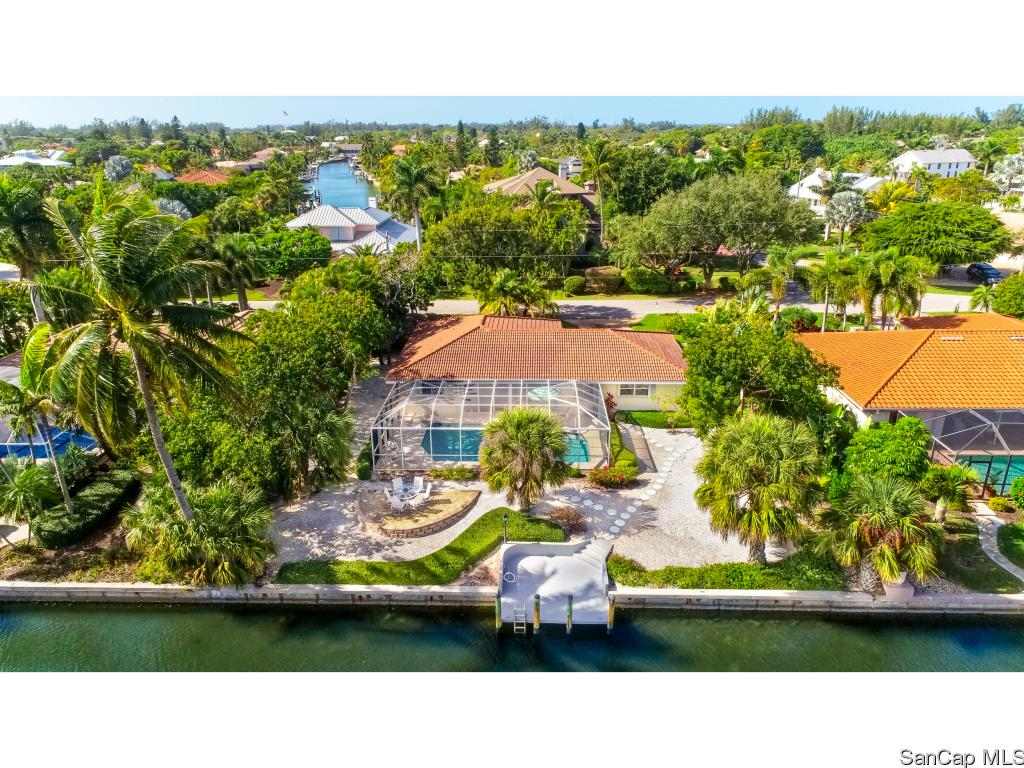 1010 Kings Crown Dr, Sanibel, FL 33957