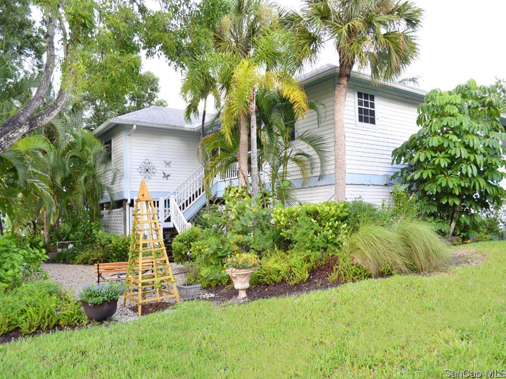 1536 Bunting Ln, Sanibel, FL 33957