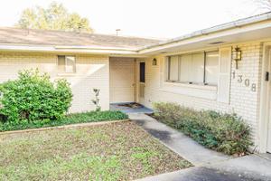 1308 Northwood St, Alice, TX 78332