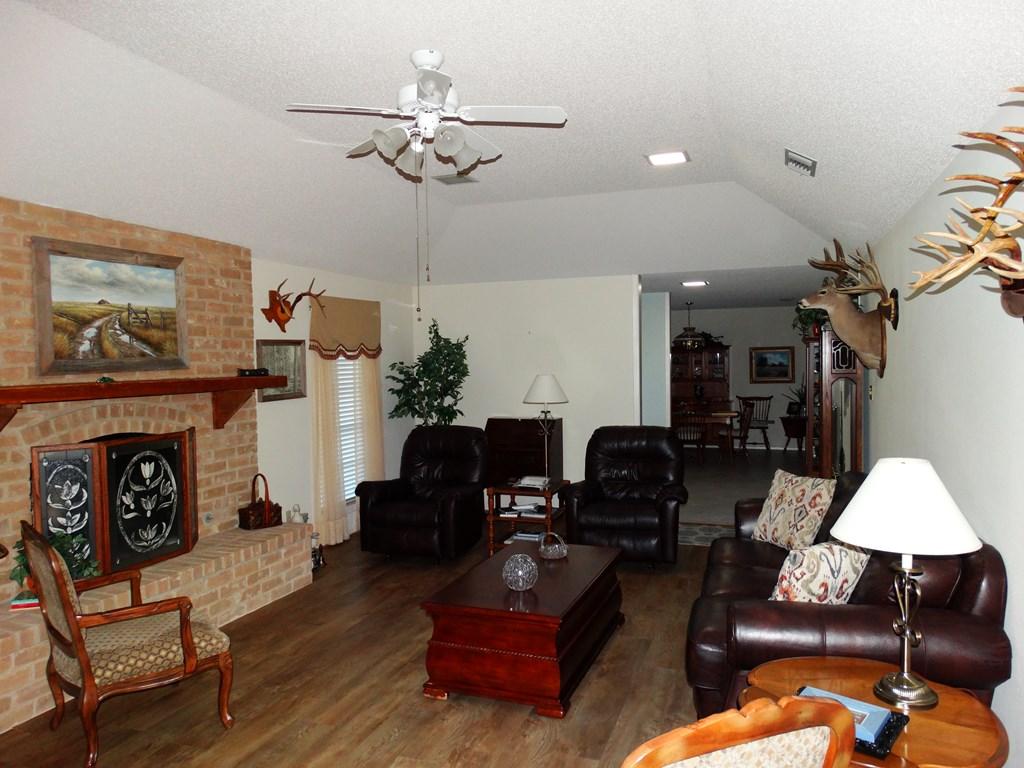 1704 Alta Vista, Alice, TX 78332