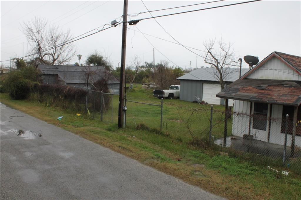 211 Liberty, Rockport, TX 78382