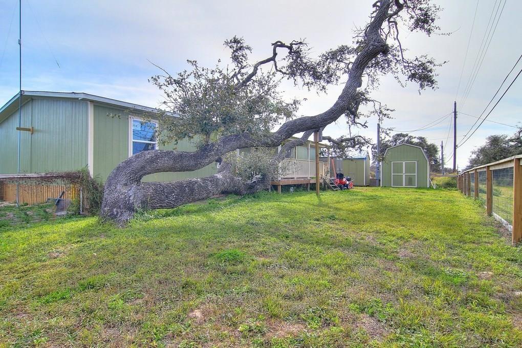 198 Grapevine Dr., Rockport, TX 78382