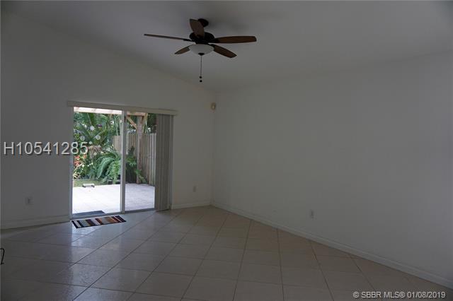 301 Sw 203rd Ave, Pembroke Pines, FL 33029