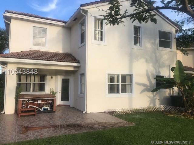 1890 Nw 74th Way, Pembroke Pines, FL 33024
