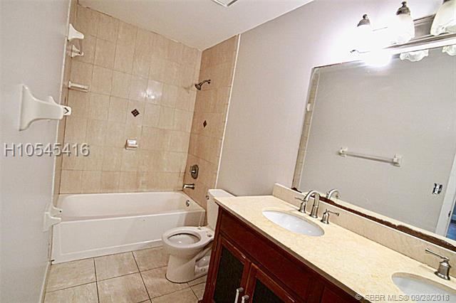 10053 Sw 16th St, Pembroke Pines, FL 33025