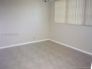 8911 S Hollybrook Blvd, Pembroke Pines, FL 33025