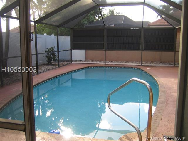 11540 Sw 11th St, Pembroke Pines, FL 33025