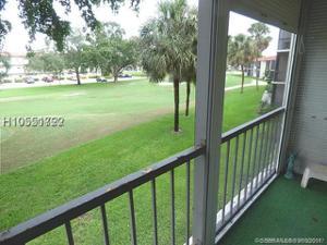 671 S Hollybrook Dr, Pembroke Pines, FL 33025