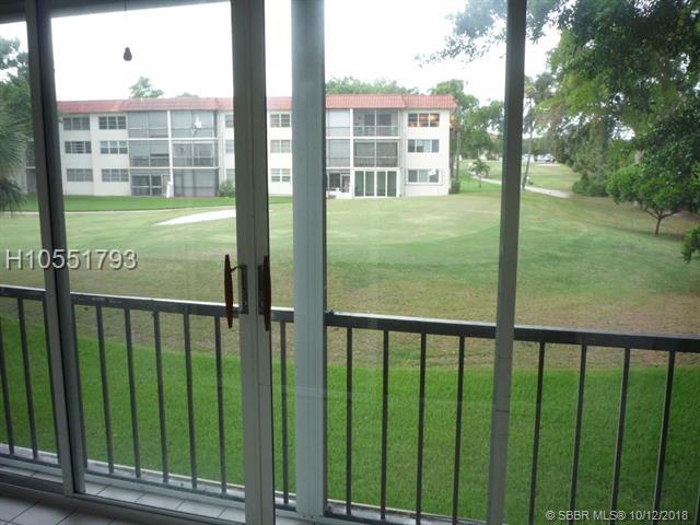 830 S Hollybrook Dr, Pembroke Pines, FL 33025