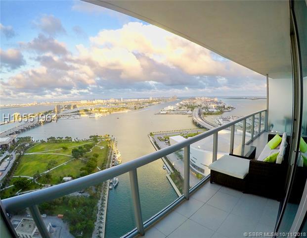 888 Biscayne Blvd, Miami, FL 33132
