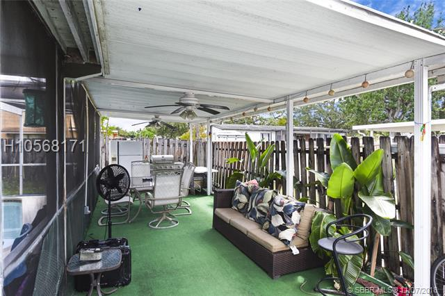 121 Nw 73rd Ave, Pembroke Pines, FL 33024