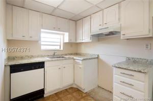9823 S Hollybrook Lake Dr, Pembroke Pines, FL 33025