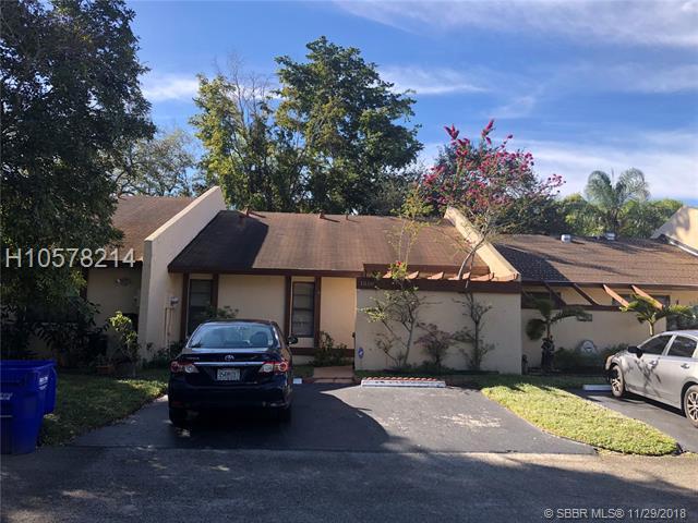 1510 Nw 98th Way, Pembroke Pines, FL 33024