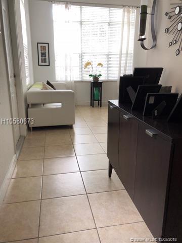 1052 Sw 147th Terrace, Pembroke Pines, FL 33027