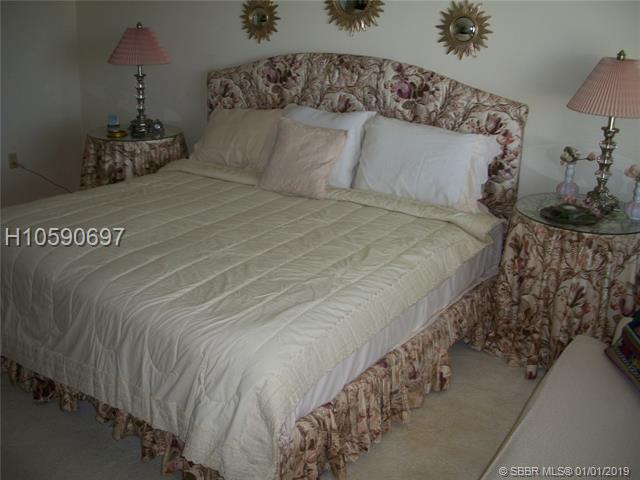 1100 Saint Charles Pl, Pembroke Pines, FL 33026