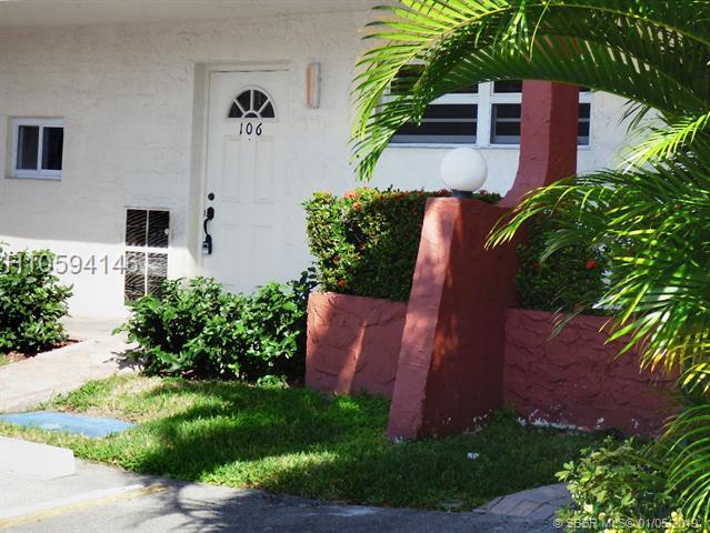 9300 N Hollybrook Lake Drive, Pembroke Pines, FL 33025