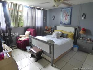 9420 S Hollybrook Lake Drive, Pembroke Pines, FL 33025