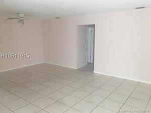 8611 Johnson St, Pembroke Pines, FL 33024