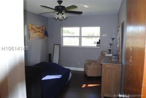 6800 Sw 15th St, Pembroke Pines, FL 33023