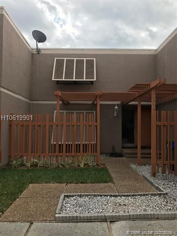 11340 Nw 15th St, Pembroke Pines, FL 33026