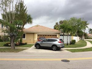 295 Sw 180th Ave, Pembroke Pines, FL 33029