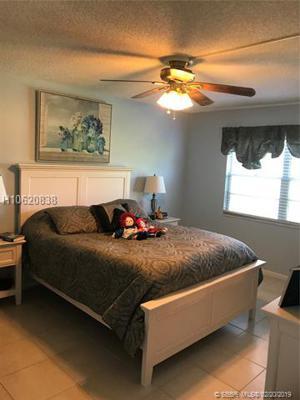 300 Sw 130th Ter, Pembroke Pines, FL 33027