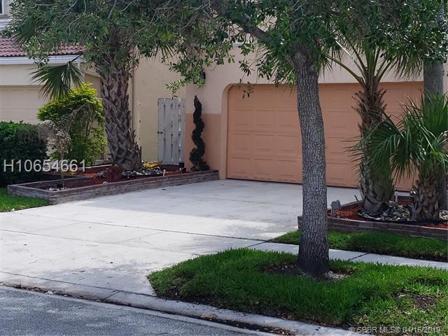 1348 Nw 157th Ave, Pembroke Pines, FL 33028