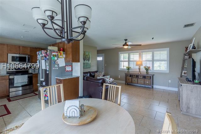 8260 Nw 11th Ct, Pembroke Pines, FL 33024