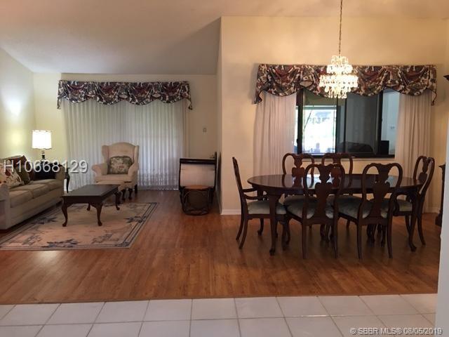 711 Sw 100 Ave, Pembroke Pines, FL 33025