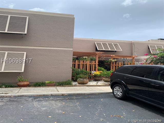 1636 Nw 113th Way, Pembroke Pines, FL 33026