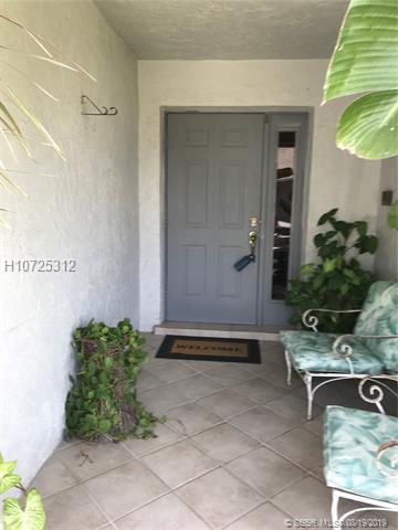 1120 Sw 109th Ave, Pembroke Pines, FL 33025