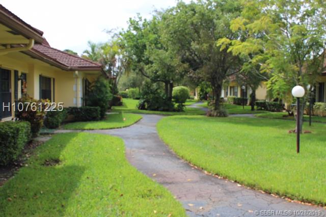 2311 Sw 70th Ave, Davie, FL 33317