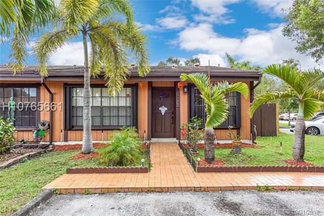 10350 Mango Ct, Pembroke Pines, FL 33026
