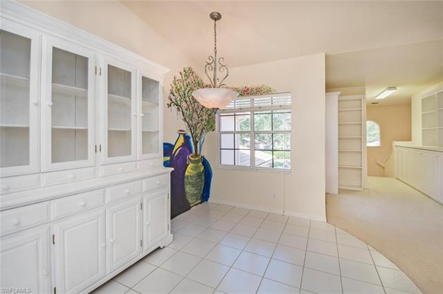 528 Lake Louise Cir 3-302, Naples, FL 34110