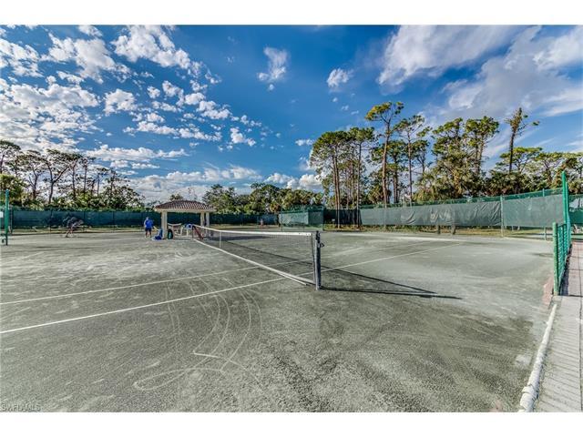 1340 Charleston Square Dr 201, Naples, FL 34110