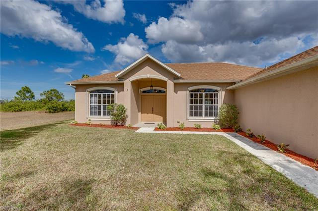 2427 25th St, Cape Coral, FL 33993