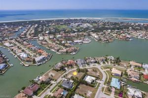 556 Tigertail Ct, Marco Island, FL 34145