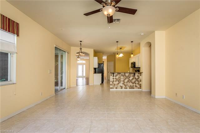 23395 Olde Meadowbrook Cir, Estero, FL 34134