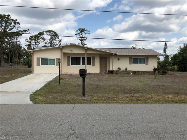 1007 3rd St, Lehigh Acres, FL 33936