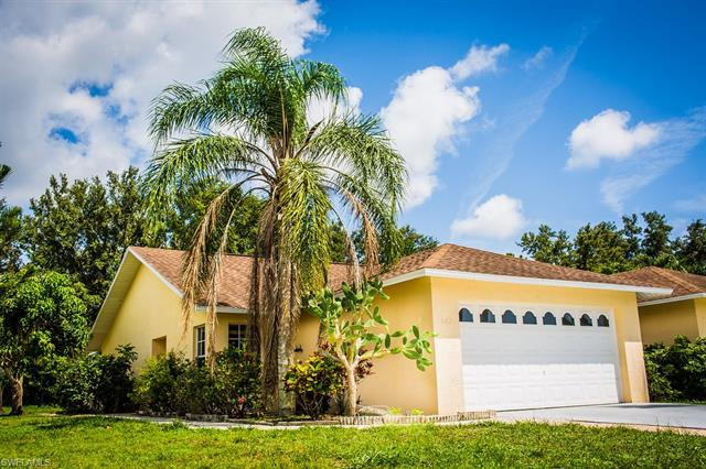 582 Saint Andrews Blvd 25, Naples, FL 34113