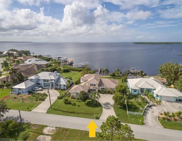113 Graham St Se, Port Charlotte, FL 33952