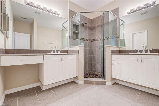 9040 Spring Mountain Way, Fort Myers, FL 33908