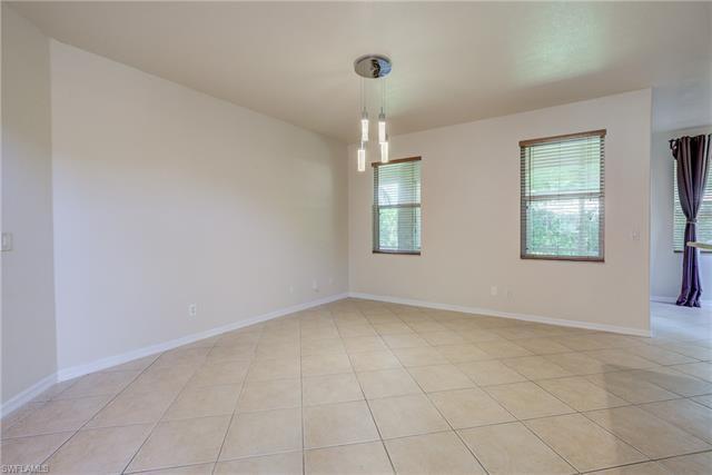 9339 Golden Rain Ln, Fort Myers, FL 33967
