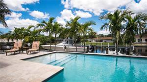 1009 Waterway Dr, Fort Myers, FL 33919